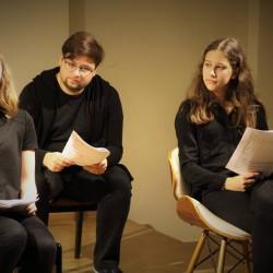 Aktorzy-amatorzy. Prezes Judenratu (Krzysztof Karbowiak) i Fred Rotberg (Weronika Biernat), Adam Lichtensztajn/Orenbachowa (Anna Kowalska)
