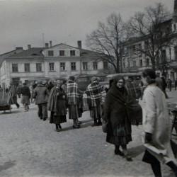 Maj 1941 roku. Tomaszowski rynek. Zbiory Wiesława Strzeleckiego