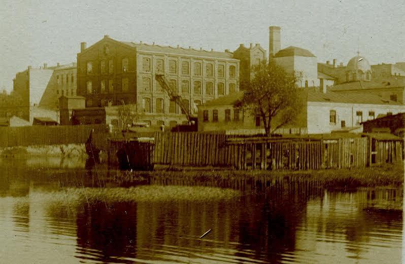 Mykwa przy Wielkim Stawie od ul. Tkackiej. Około 1930 rok. Zbiory Jerzego Pawlika.