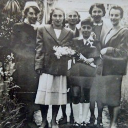 Halina Czapiga and her sisters: Mania, Leokadia, Stanisława, Irena. Dating from around 1955. Agnieszka Misiak Collection