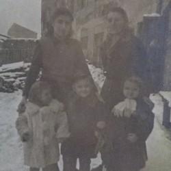 Rodzinne podwórko Mirosławy Harasimowicz przy Bohaterów Getta