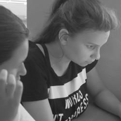 Zmyślone Oliwia i Ania