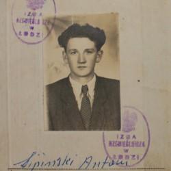 Fragment dyplomu czeladniczego Antoniego Sipińskiego. Rok 1948.
