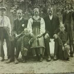 Szczepan Pardej and his family. 1936, Ciebłowice