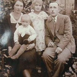 rodzina Sulmowskich w latach trzydziestych. Zbiory Tadeusza Sulmowskiego